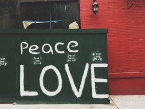 平和のシンボル とは?平和への思いを忘れない